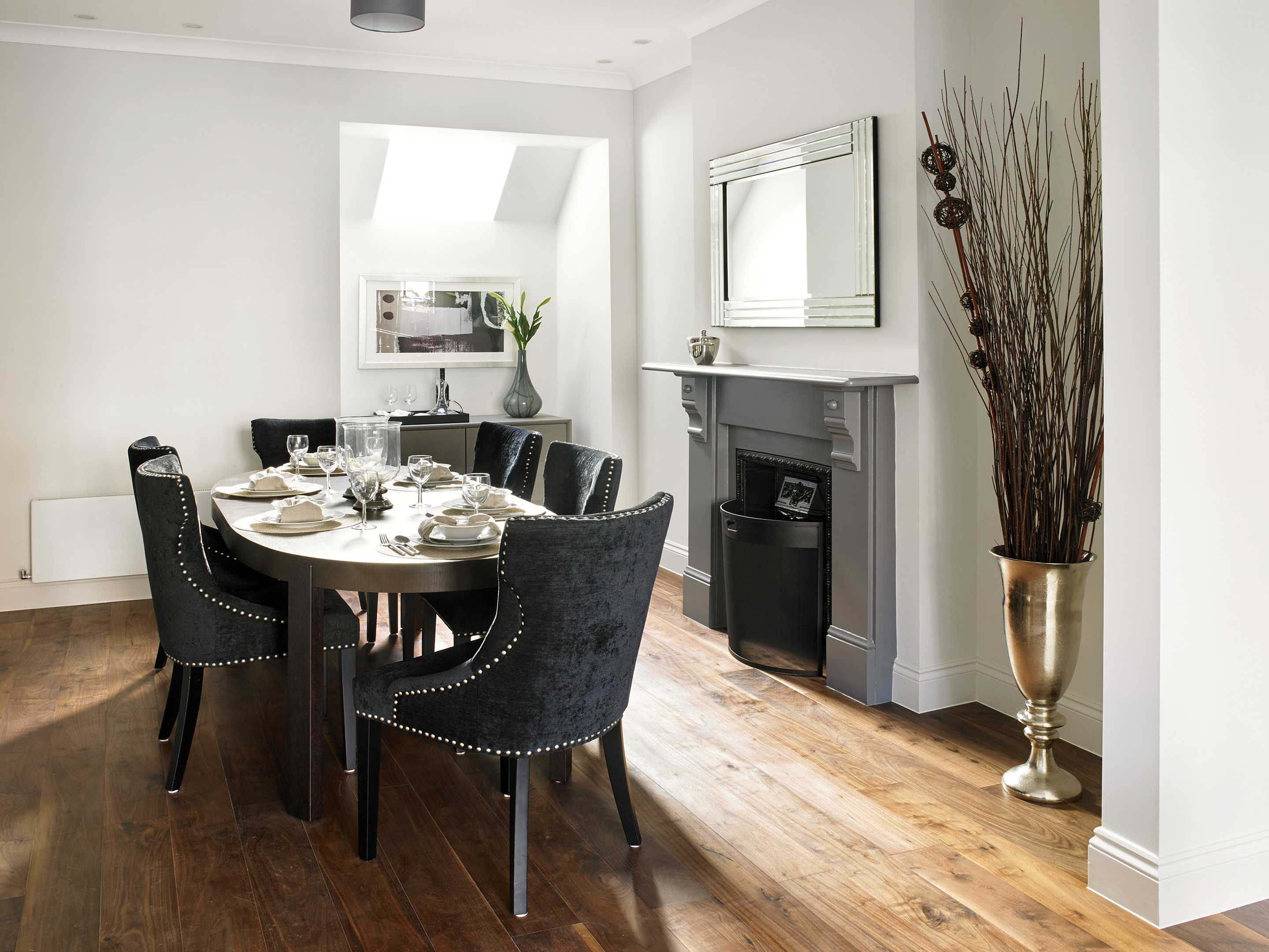 Period inspired dining room