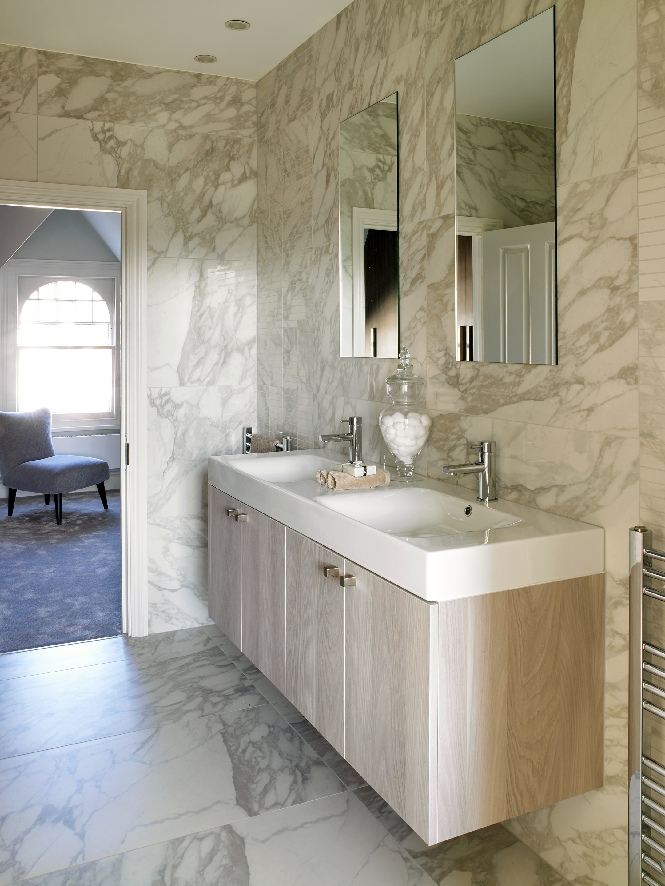 En suite in luxury marble