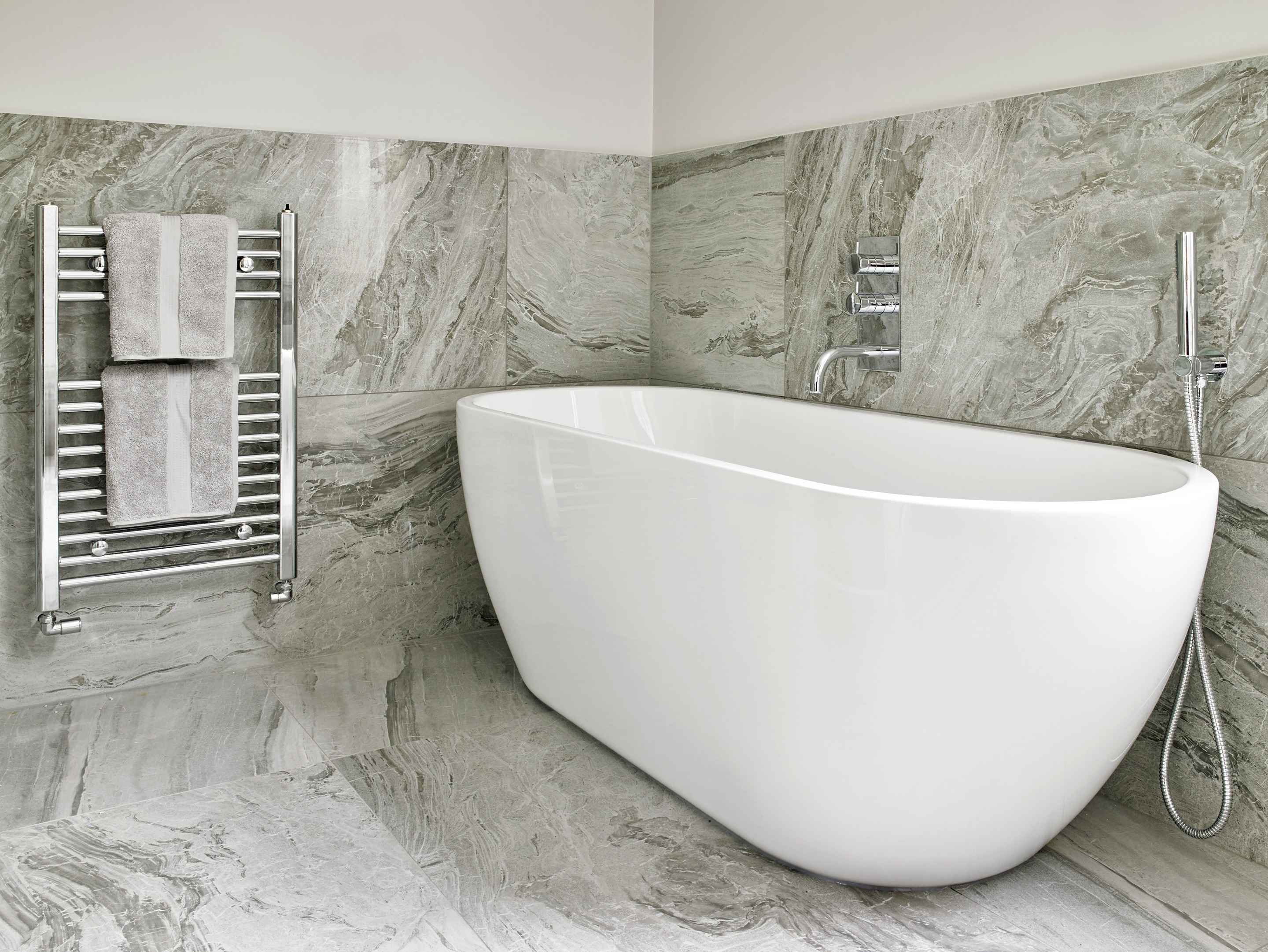 Luxury freestanding bath